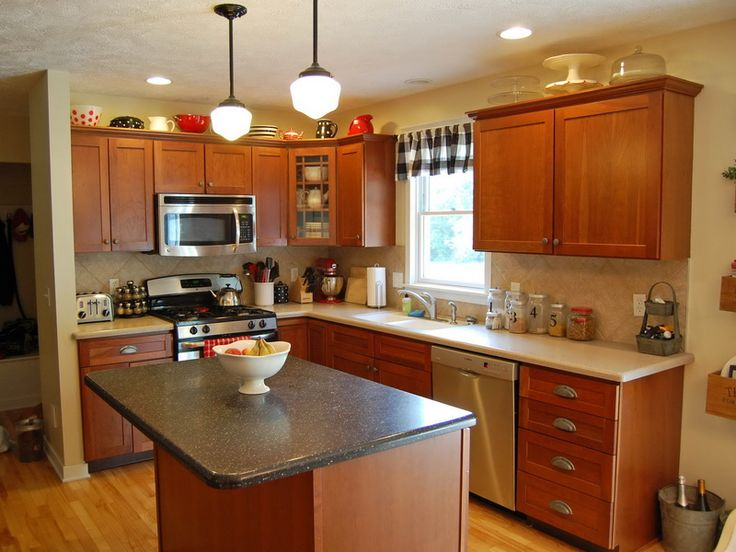 Oak Kitchen Cabinets With Paint Color Ideas And Hard Wood Floor