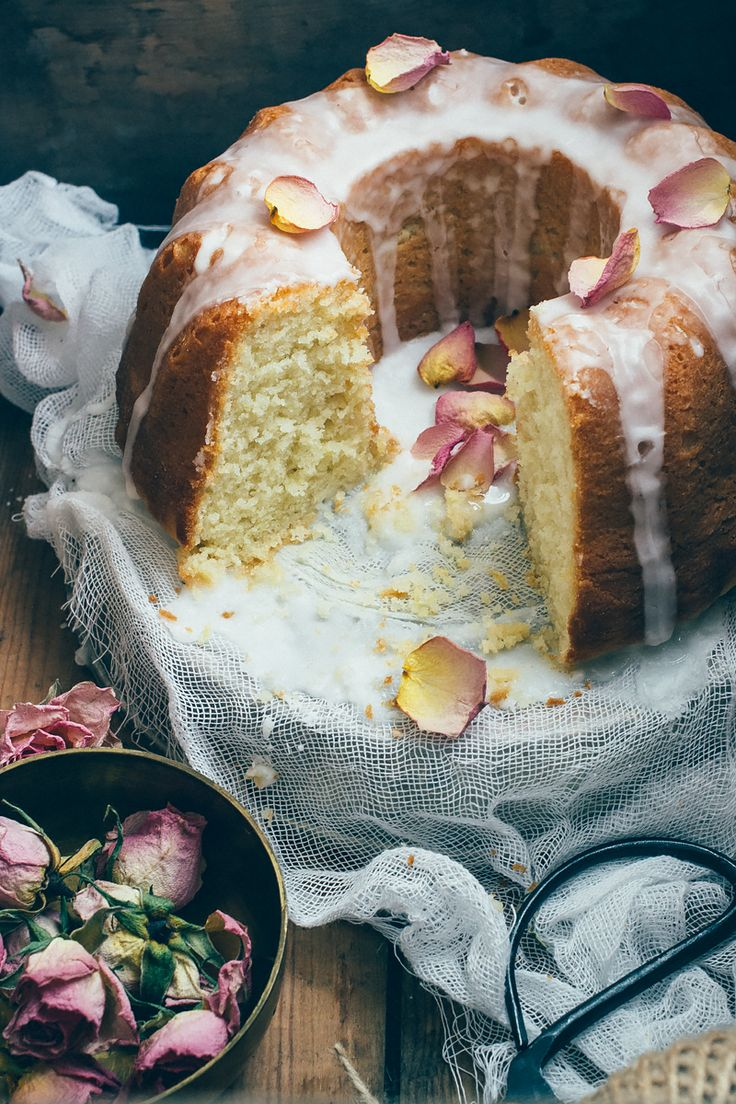 Κέικ πορτοκάλι Greek Yoghurt Olive Oil Cake with Orange Blossom Glaze