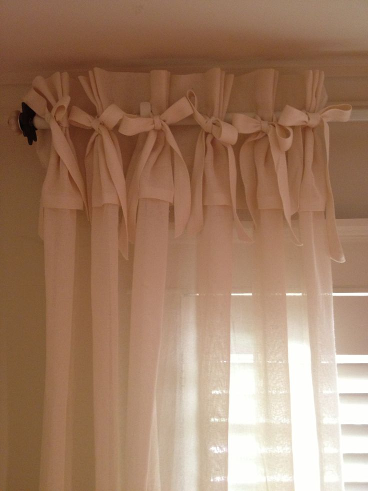 how to make no sew curtain panels with bows and ruffles. Black Bedroom Furniture Sets. Home Design Ideas