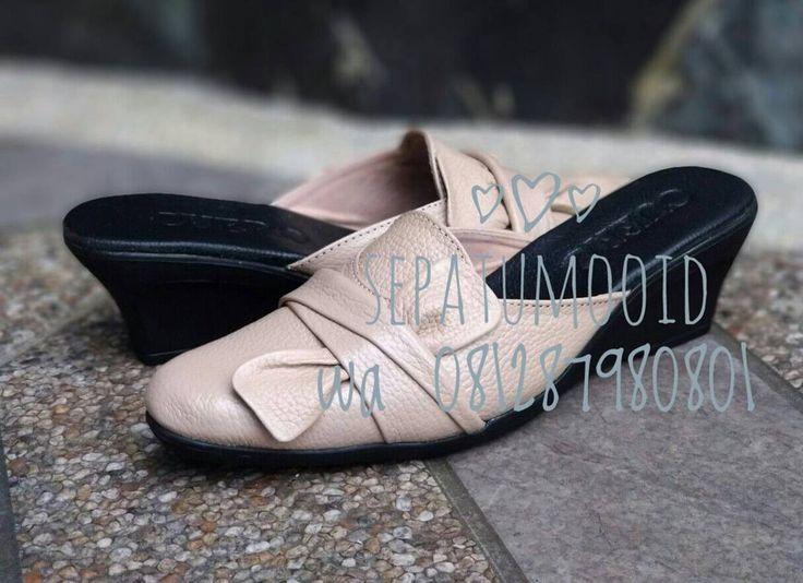Bismillah... #SepatuKulit Casual Wanita by #SMO  Rp170rb  Happyday... PO  20hari  Cek bio for order... #SepatuKulitAsli #SepatuCasual #SepatuCewek #CasualCewek #SepatuMagetan #JualSepatu #SepatuMurah #FlatformShoes #SepatuFlat #SepatuCustom #SepatuKantor #SepatuOriginal #Shoes #FlatShoes #WomenShoes #LeatherCraft #LeatherShoes #Footwear #HandMadeShoes #SepatuMooID