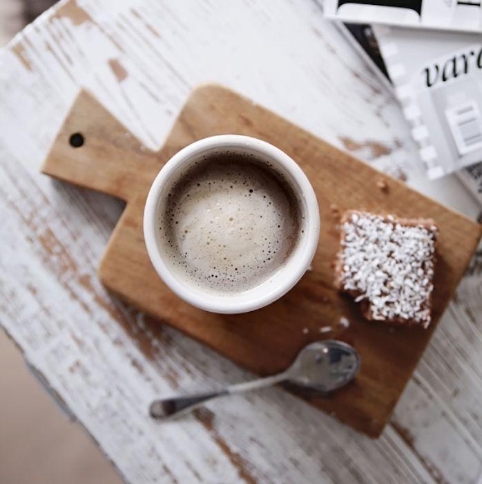 локация пятница кофе фото руку