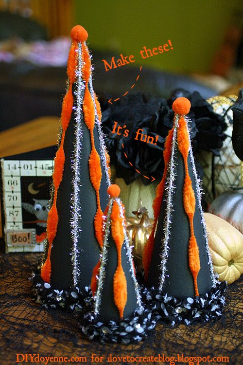 Obsessed with this Retro Halloween Tabletop Decor from @ILoveto Create