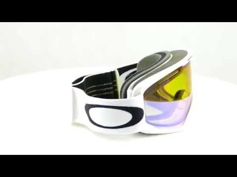 OAKLEY O2 XL Matte White HI Yellow női síszemüveg. Optimális látást biztosít bármilyen helyzetben. KATTINTS IDE!