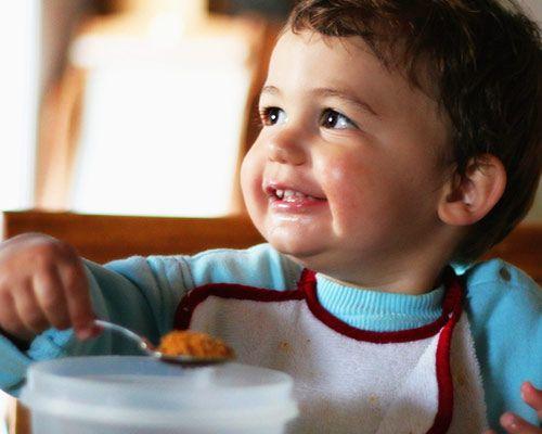 Przeczytaj: Jak powinna wyglądać zdrowa dieta rocznego dziecka. Rozmowa z Anną Szydlik na największym blogu rodzicielskim w Polsce - dziecisawazne.pl