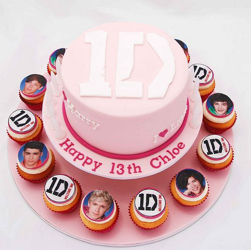 One Direction Cake! I know a girl who would love this!