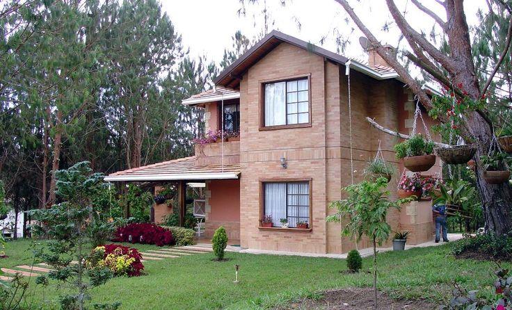 Casas campestres en colombia fachadas de casas for Casas campestres en madera