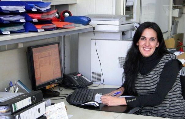 Raquel (directora administrativa)