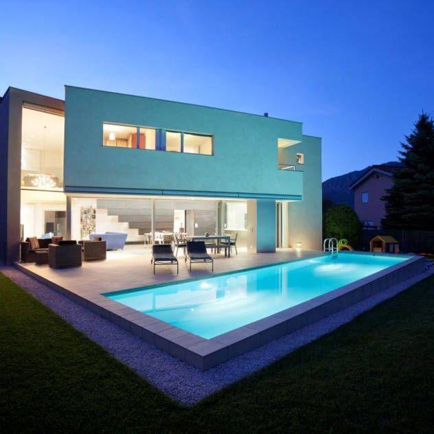 Oltre 25 fantastiche idee su case prefabbricate su for Foto di ville moderne