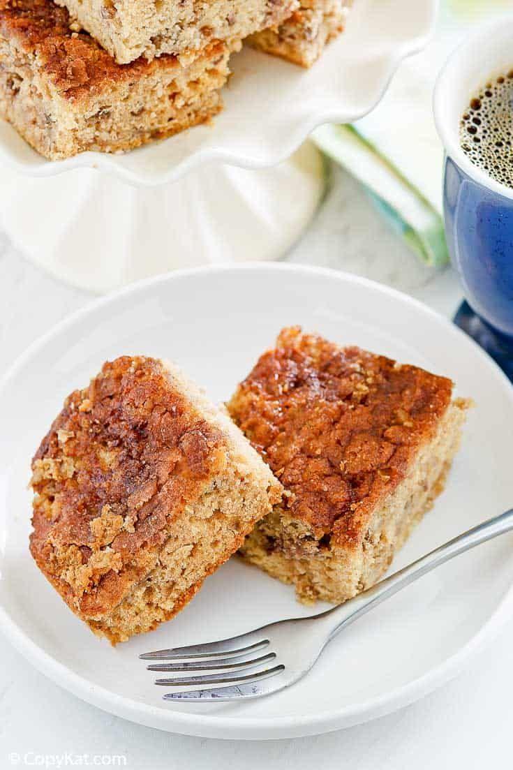Easy Rhubarb Coffee Cake Copykat Recipes Recipe In 2020 Copykat Recipes Rhubarb Coffee Cakes Buttermilk Recipes