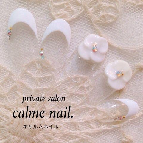 ブライダルにもおすすめなフラワーフレンチ♡の画像   神戸三宮のプライベートネイルサロン★calmenail-キャルムネイル…