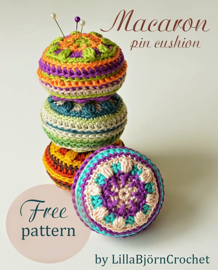 Macaron pin cushion. #Free #pattern. Click here to get this pattern http://lillabjorncrochet.blogspot.cz/p/blog-page_2.html