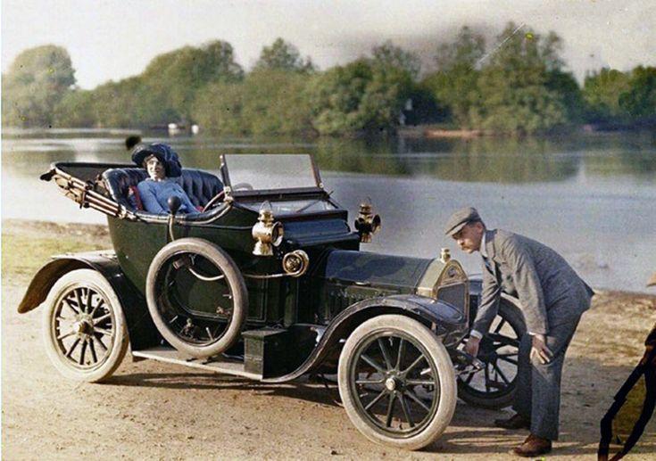 Цвет автомобилей 100 лет назад
