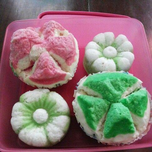 """Traditional Indonesia cakes """"putu ayu"""" and """"roti kukus"""""""