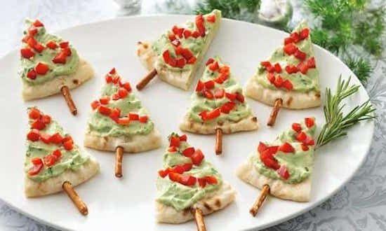 des pitas au guacamole en arbre de noËl