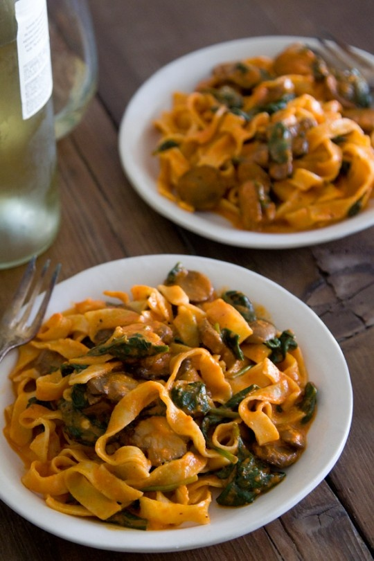 Red Pepper Pasta with Mushrooms and Spinach from www.whatsgabycooking.com