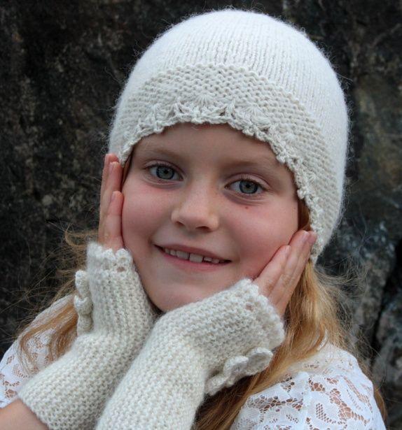 Eplabiter - White lace hat handknitted with Alpacca and silk wool Hvit blondelue i alpakka og silke http://epla.no/shops/spoet-51/