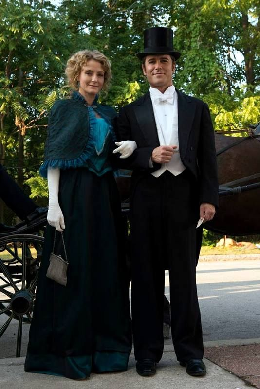 Murdoch Mysteries - Julia and William