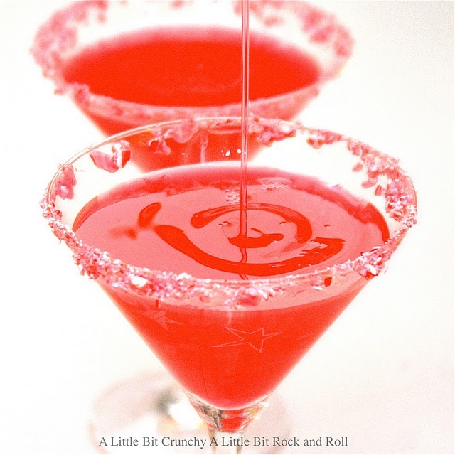 Candy Cane Martini  Now if you love peppermint and you love candy canes, you will love this drink because it is heavy on the mint.
