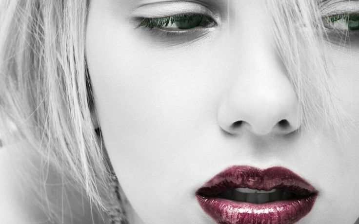 Scarlett Johansson Red Lips Green Eyes Selective Coloring