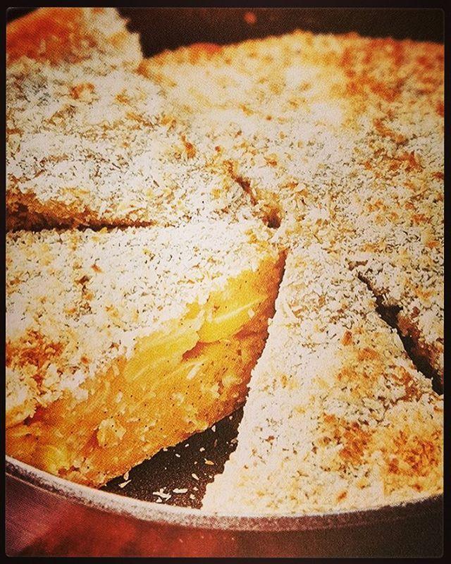 Vous êtes nombreux à souvent nous demander des recettes sans sucre.  C'est du livre «  Gâteaux et gourmandises sans sucre », paru en 2015 aux éditions First, que nous avons extrait cette recette de gâteau à la banane et à la noix de coco ; une sensation qui ravira les petits et les grands enfants. Retrouvez la recette sur la page Facebook du Chef. #sanssucre #banane #conticini