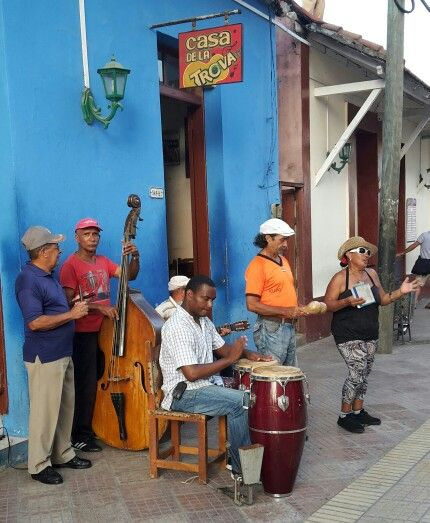 Street singers in the most eastern city of Cuba, Baracoa.
