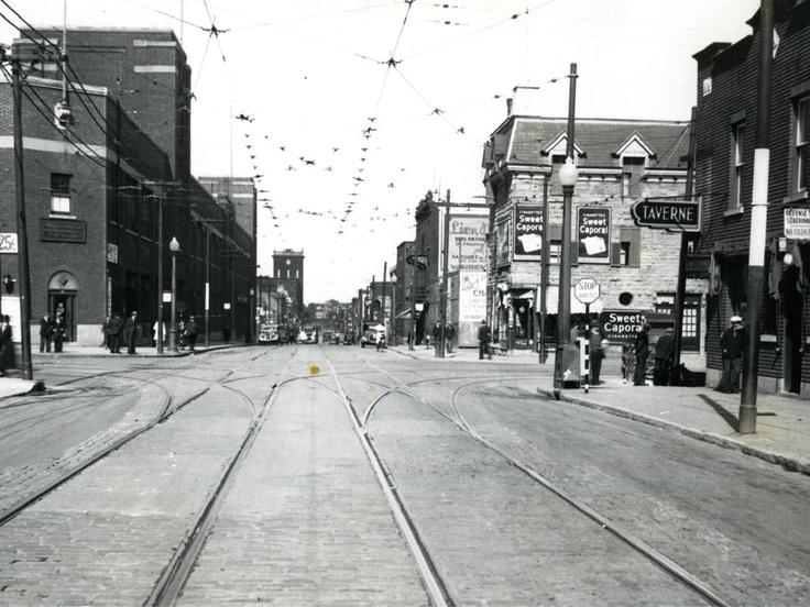Rue Ontario vers l'est à partir de l'intersection de l'avenue De Lorimier [1936]
