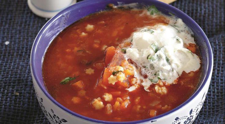 Суп из помидоров и мелкой пасты