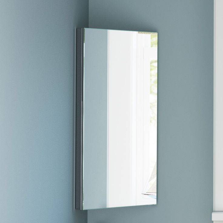 Liberty Spiegelkast Hoekmodel RVS - 60 x 30 cm  Opbergruimte? Of een spiegel? Met Liberty heb je het allebei. Superpraktisch deze Liberty spiegelkasten. Een opbergkast voor je kleine badkamerspulletjes. Met een spiegeldeur ervoor zo zijn je spulletjes uit en jij in het zicht! Doordacht design Vooral in de kleine badkamer is het vaak een hele uitdaging om alle spulletjes op te bergen. Liberty is een hele praktische en tegelijk mooie oplossing: een hoekkastje met spiegeldeur. Ontworpen met oog…