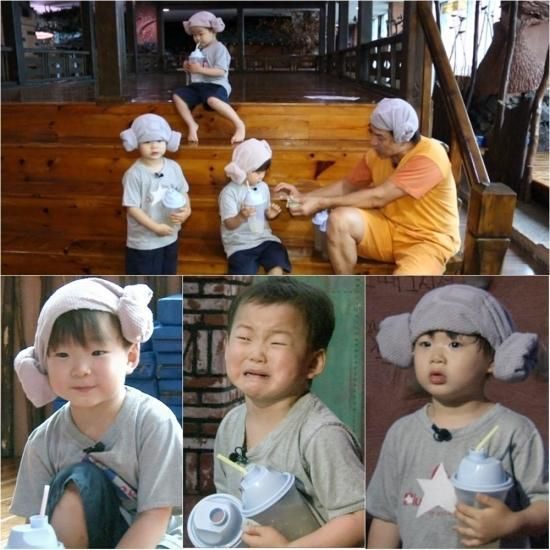'Superman Returns' Song Triplets Wear Lamb Shaped Hats - http://asianpin.com/superman-returns-song-triplets-wear-lamb-shaped-hats/