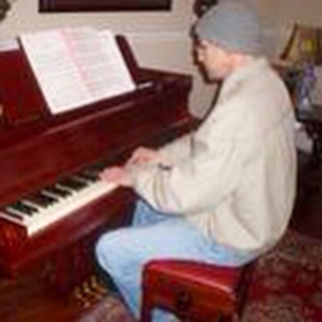 Piano time!!!!  #donniaraujo #avidaébela #rocknroll #mpb #músico #cantor #compositor #music #singer #songwriter #musician #brazilianrock #latin #samba #bossanova #musicaboa #brazilianrock #rocknacional #rockbrasileiro #rockgoiano #jazz #reggae #donniaraujoeosboanova