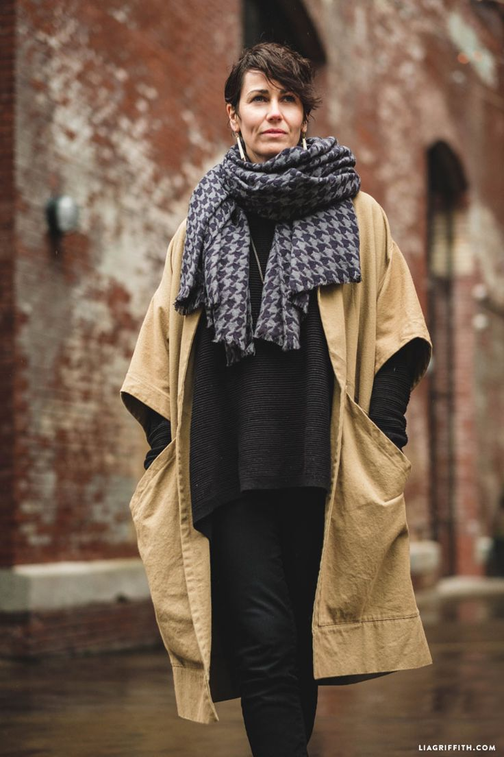 #nosew blanket scarf tutorial at www.LiaGriffith.com: