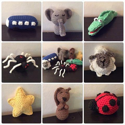 Sångpåse klar! #virka #virkad #virkat #beställning #bebis #bäbis #sångpåse #sånger #förskola #förskolan #dop #doppresent #amigurumi #buss #elefant #krokodil #spindel #lamm #stjärna #ekorre #nyckelpiga #crochet #crocheteveryday