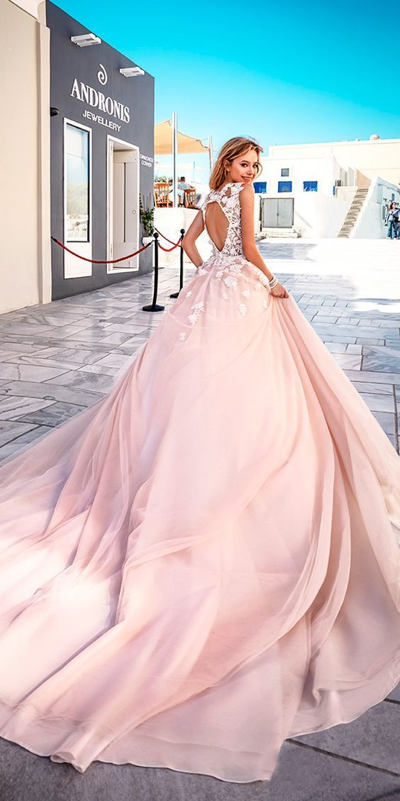 Do you want something new? We just make for you a fresh list of most charming pink wedding dresses. Every girl has a pink dress dream, it is so fantastic if you realize your dream in your big day! Wish you have a happy pink bubble wedding ceremony and get inspired from the following gallery.
