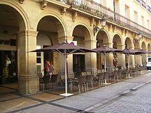 Logroño -Soportales que dan el nombre a la calle Portales.
