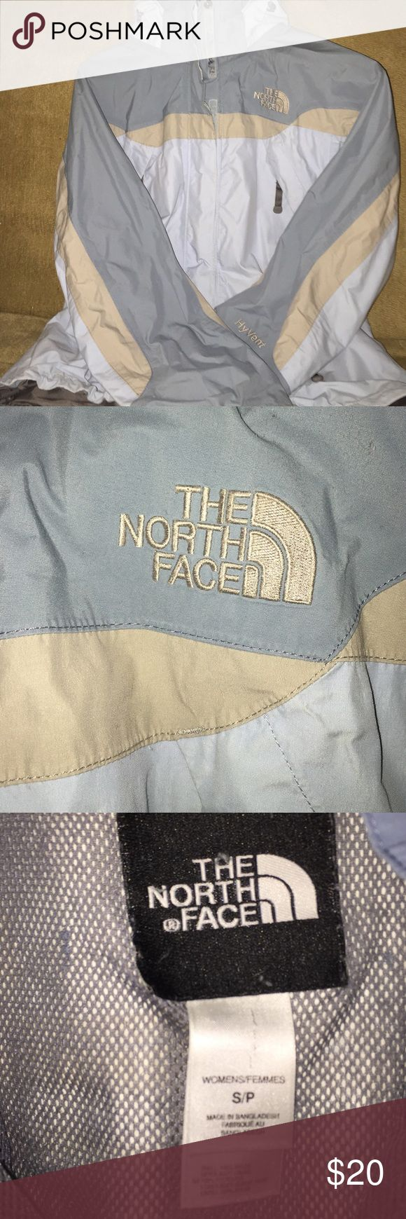 **NORTHFACE JACKET** Only have worn this jacket a handful of times. Keeps me very warm. Great for football games and other sporting events. It also has a waterproof material on the outside plus a hood. (Coming from a smoke- free home) size small •OPEN TO OFFERS• The North Face Jackets & Coats