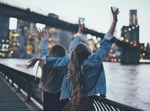 Imagem de friends, city, and friendship Pinterest ? ohspringtime (Cool Photography)