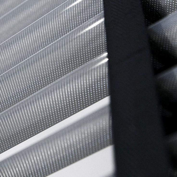 διάτρητες μεταλλικές περσίδες (βενέτικα) με ταινία/perforated metallic blinds with tape