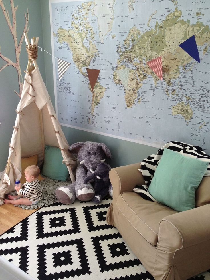 Baby's room. Teepee and world map. My kid would have a room like this one!