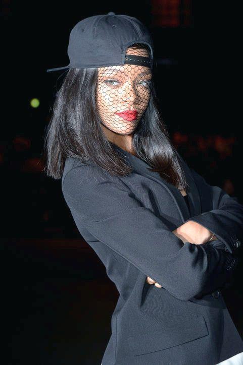 2014 Rihanna Die neuesten Frisuren und Makeups für Fashionistas Inspiriert
