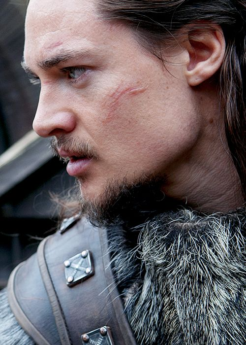 This is Uhtred from The Last Kingdom (Bernard Cornwell.)  But he makes a FAB Skirfir!