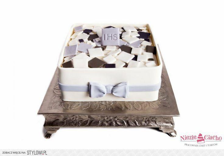 IHS, I Komunia Święta, tort z okazji I Komunii Św., tort pierwszokomunijny, przyjęcie pierwszokomunijne, czekoladki, pudełko czekoladek, Tarnów