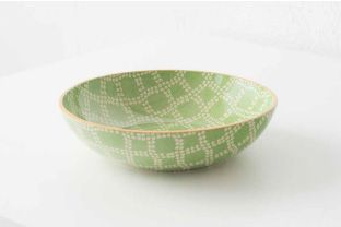Large serving bowl in Daisy