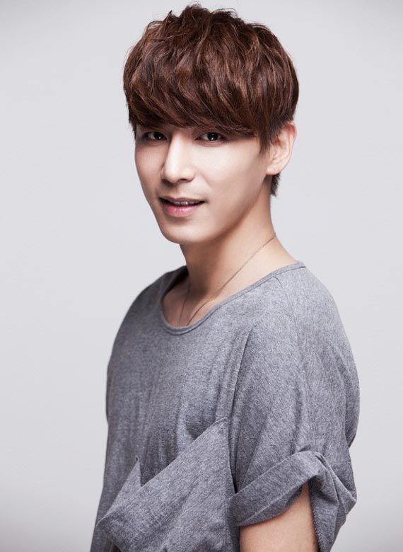 Perfil Nombre: 진이한/ Jin Yi Han, Profesión: Actor, Cantante, Modelo, Fecha de nacimiento...