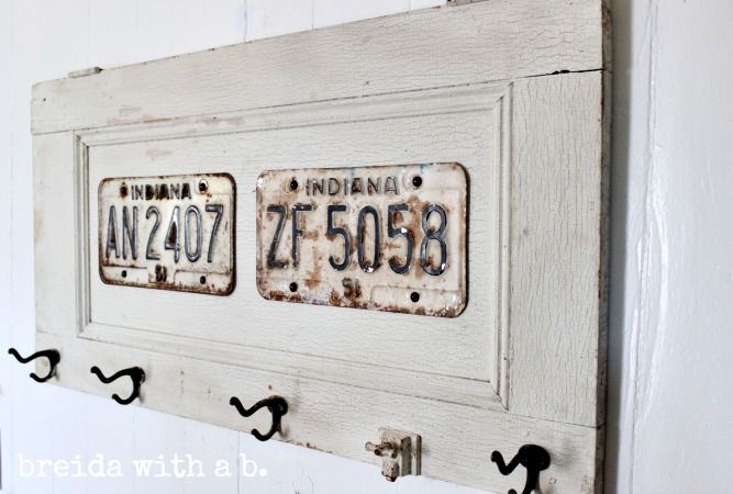 License Plate Coat Rack {vintage goodness} breidawithab.com