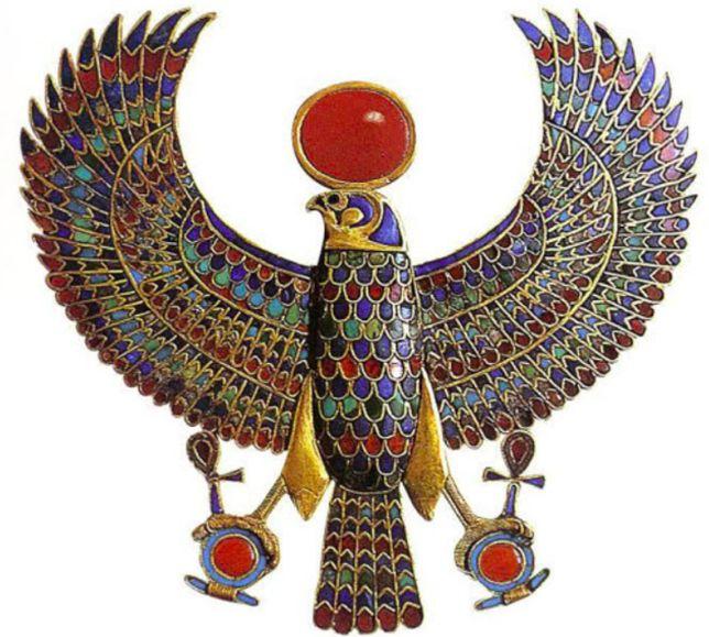 Šperky Egypt -Historie šperků je dlouhá jako lidstvo samo. Lidé si od nepaměti vyráběli šperky a zdobili se jimi. První výrobky byly z kostí, kamenů a různých druhů přírodnin, které byly v jejich blízkosti. Šperky z kovů začali lidé vyrábět až okolo roku 2700 před. n. l., od té doby zdokonalovali své výrobky a ze šperků se…
