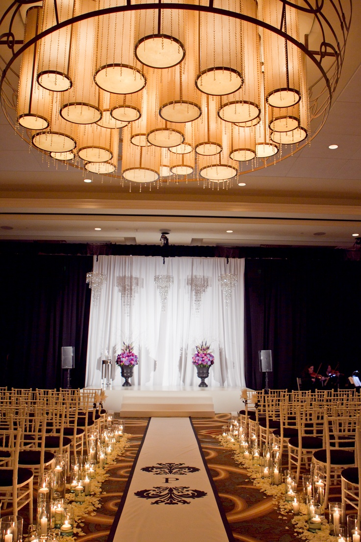 sweet candle lit ceremony at the omni fort worth hotel. Black Bedroom Furniture Sets. Home Design Ideas