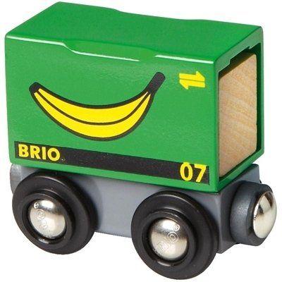 Brio Waggon mit Bananen Ladung 33258. Im Container können die Bananen sicher von übersee zu uns transportiert werden. Danach geht es auf dem Zug weiter. Das Entladen übernimmt der BRIO Kran, den es als Zubehör gibt.  http://www.briobahn.ch/brio-eisenbahn-waggon-mit-bananen-ladung.html