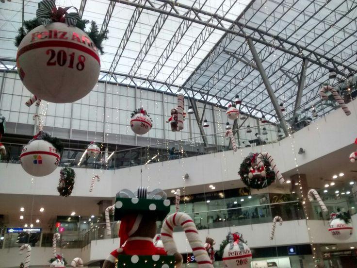 Decoración Navideña en el Centro Comercial Avenida Chile, en Bogotá.