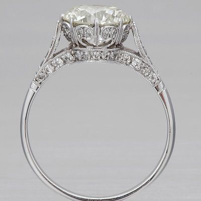 Ugh the detail! I need a ring with detail like this vintage engagement ring! SO GORGEOUS AND PERFECT!!! <3