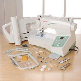 Macchina per cucire e ricamare Singer Futura CE250 (Seminuova/Ricondizionata) - Unisce le possibilità del cucito alle capacità di un PC.